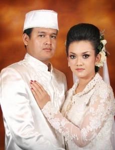 Gambar 1. Pose Klasik Pernikahan jawa
